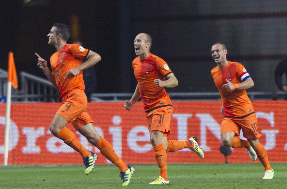 Nuostabioji 1983-84 m. karta – R.van Persie, W.Robbenas, W.Sneijderis