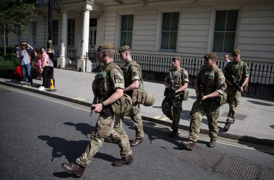 """""""Brexit"""" be susitarimo atveju Britanijos gatvėse gali pasirodyti kariai"""