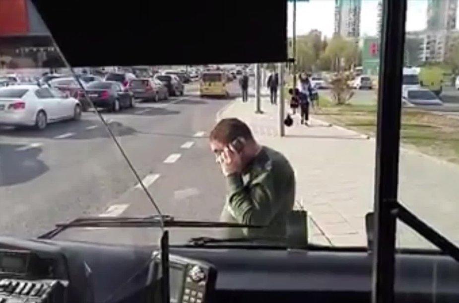 greitasis-autobusas-sustojo-be-priezasties