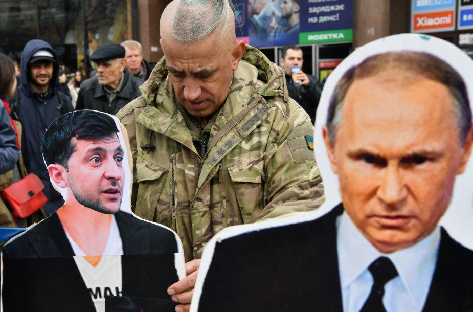 Volodymyras Zelenskis ir Vladimiras Putinas gruodį susitiks akis į akį