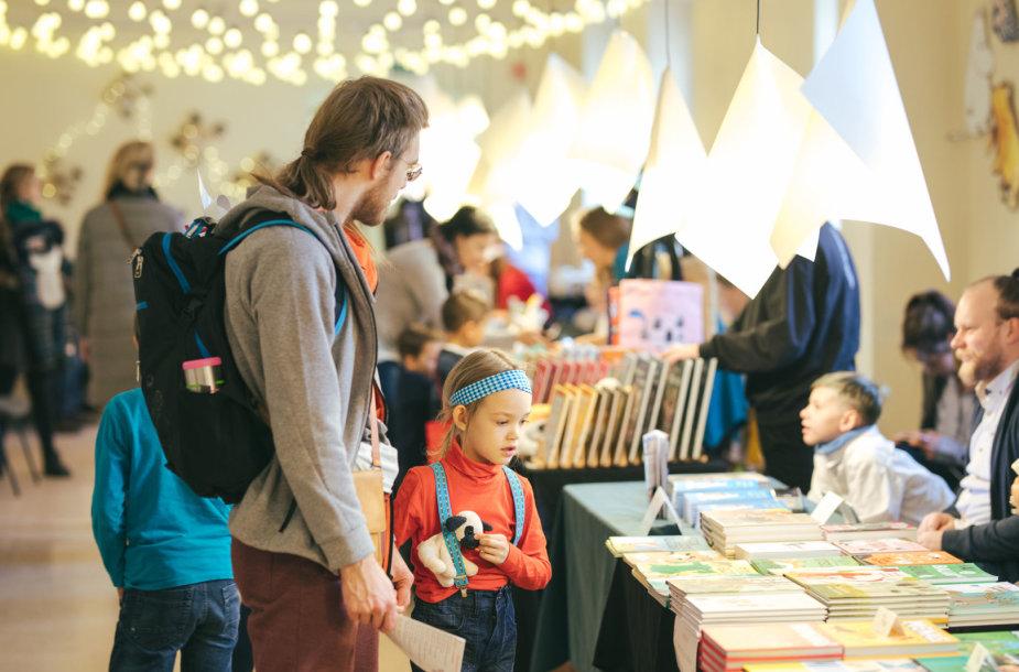 """Literatūros festivalio """"Vaikų Kalėdų sala"""" akimrikos"""