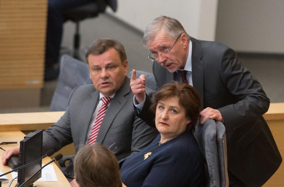 Iš kairės: Vydas Gedvilas, Gediminas Kirkilas, Loreta Graužinienė
