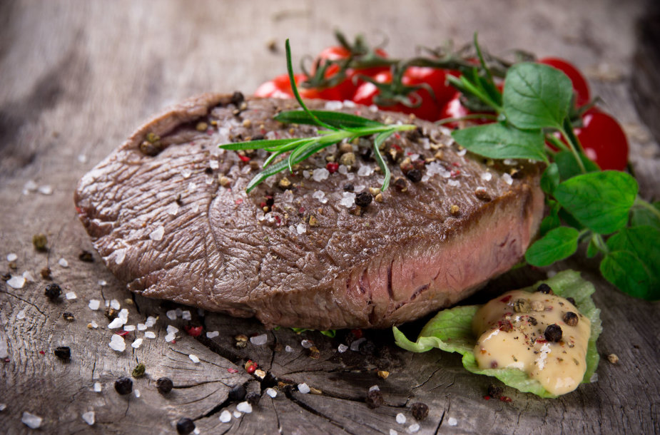 Mėsa, pagardinta druska