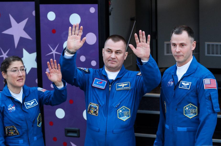 Nickas Hague'as, Aleksejus Ovčininas, Christina Koch