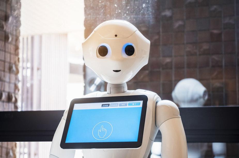 Robotas su ekranu