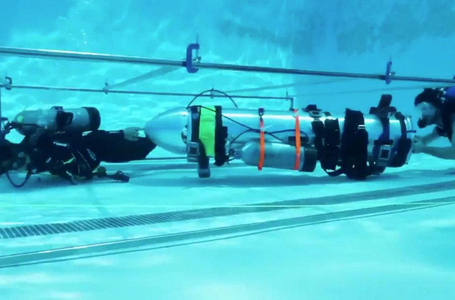"""""""SpaceX"""" povandeninis laivas urve įstrigusių vaikų evakuavimui"""