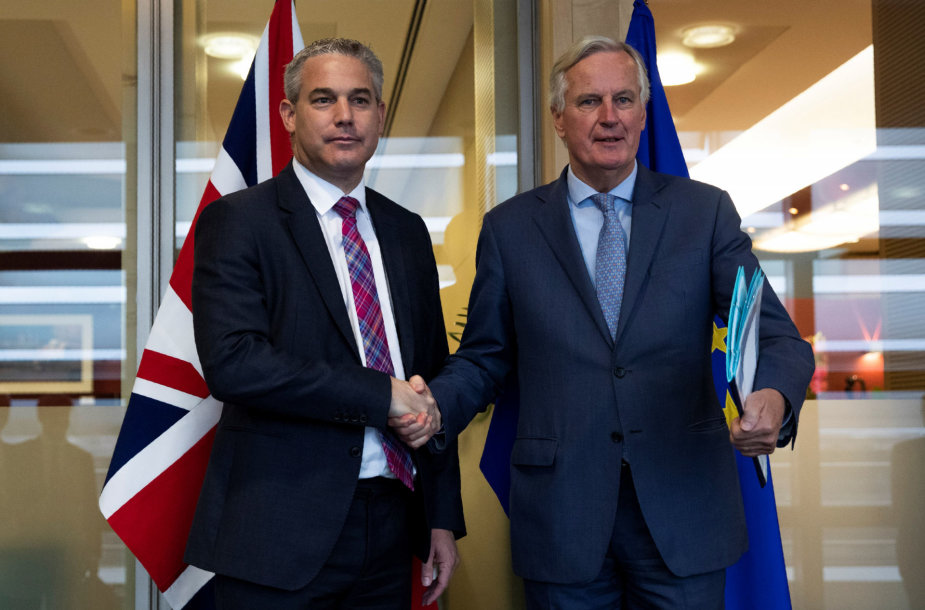 Stephenas Barclay ir Michelis Barnier