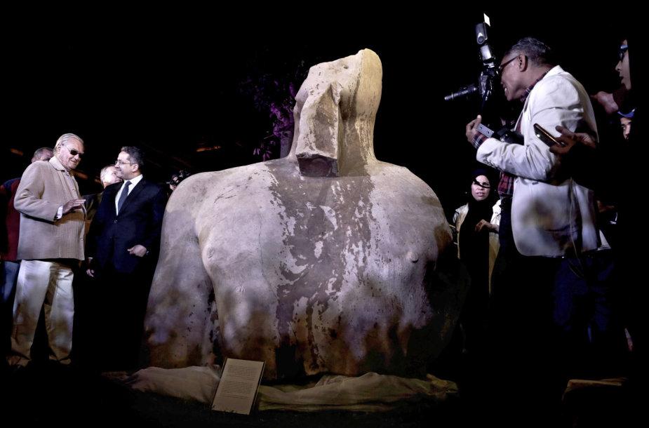 Egipte atrastas kolosas tikriausiai vaizduoja faraoną Psametichą I