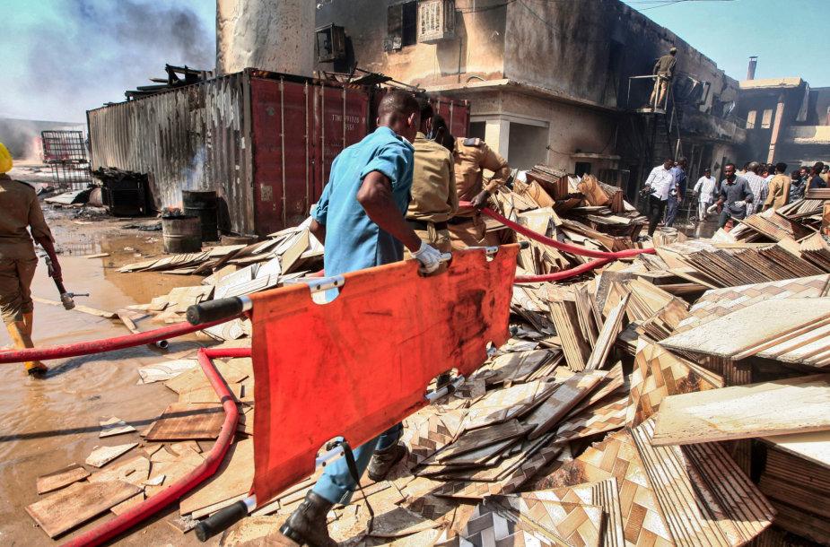 Sudane per gaisrą gamykloje žuvo 16 žmonių