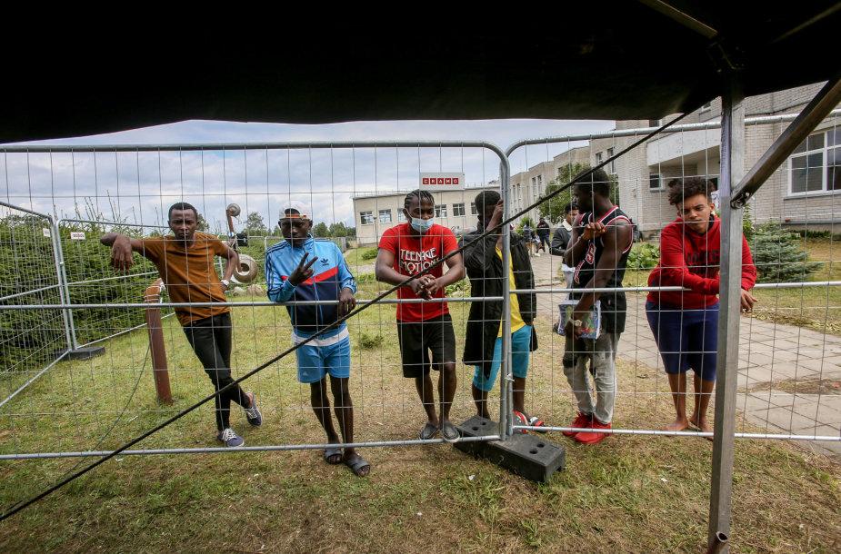 Migrantai buvusioje Vydenių mokykloje