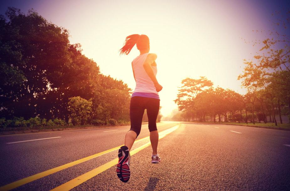 Bėganti moteris