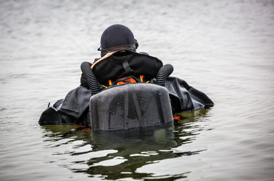 Povandeninių veiksmų komandos sprogmenų specialistai