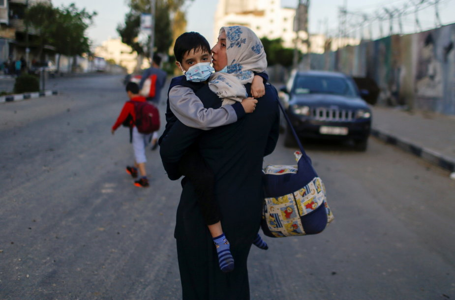 Palestinos gyventojai evakuojasi
