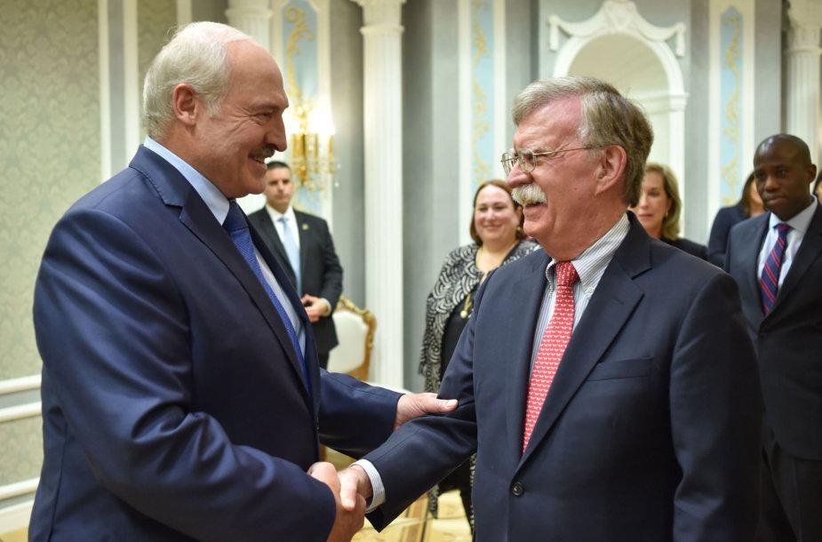 Aliaksandras Lukašenka ir Johnas Boltonas