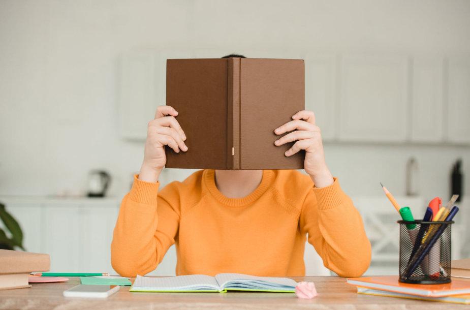 Tėvai turėtų skatinti vaikus mokytis savarankiškai