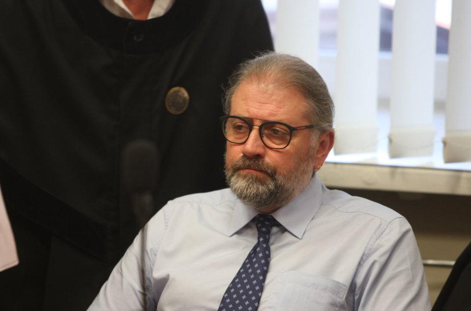 Teismas dėl Panevėžio mero prekybos poveikiu