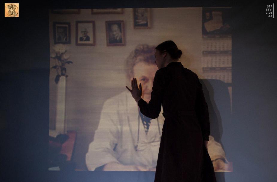 """S. Aleksijevič """"Černobylio malda"""" Panevėžio Juozo Miltinio dramos teatre"""