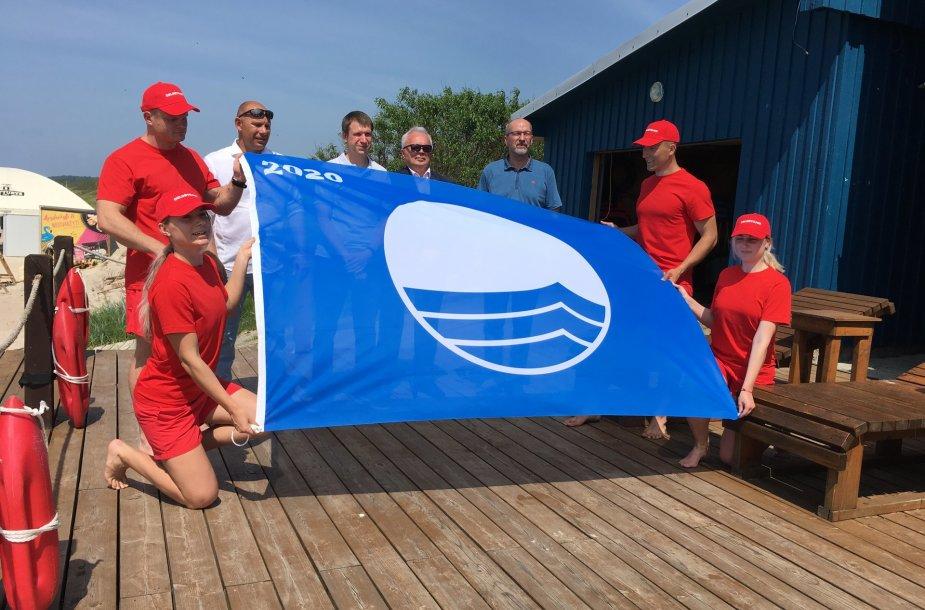 Melnragės II paplūdimiui įteikta Mėlynoji vėliava