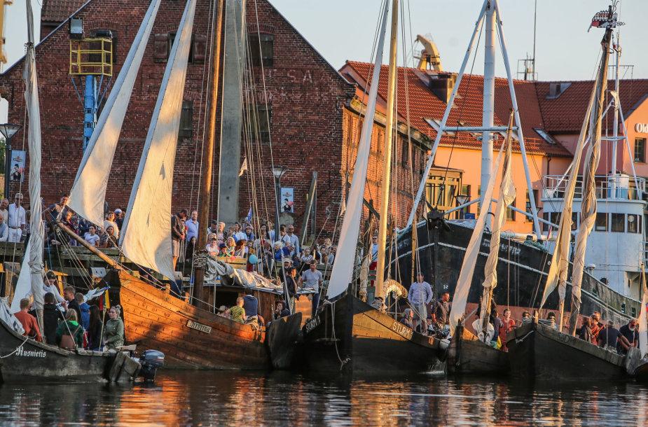 """Istorinių laivų """"Dangės flotilė"""""""