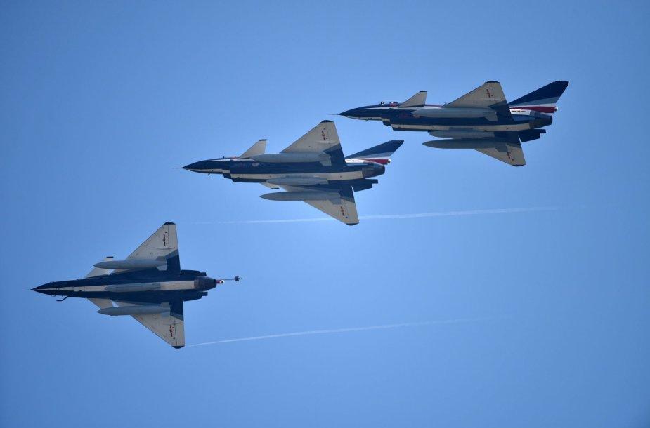 Kinijos naikintuvai J-10