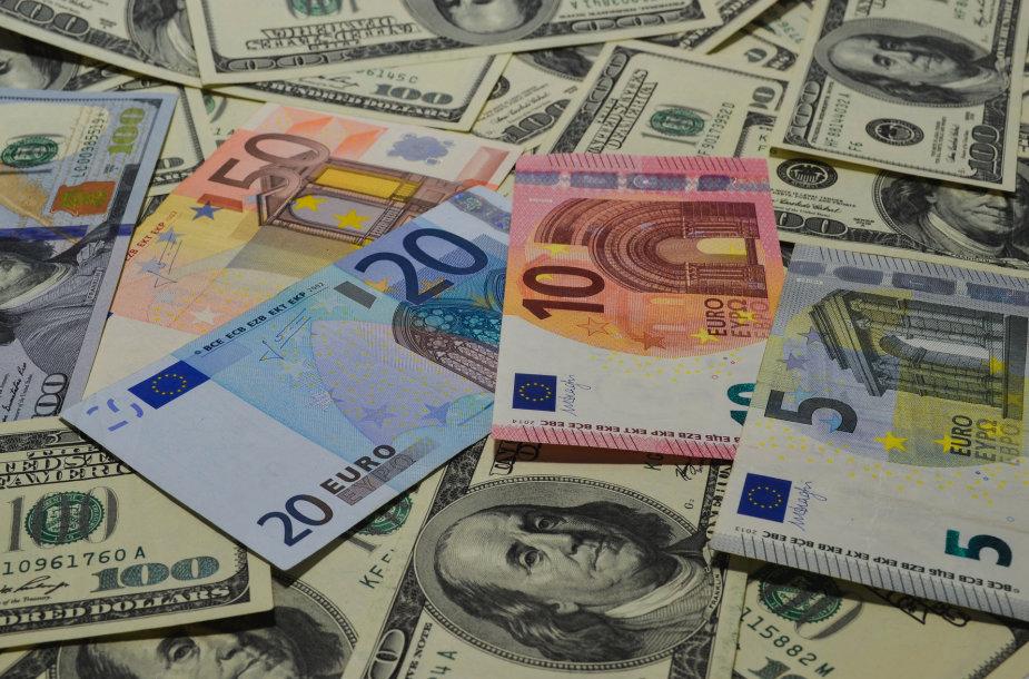 Eurai ir doleriai