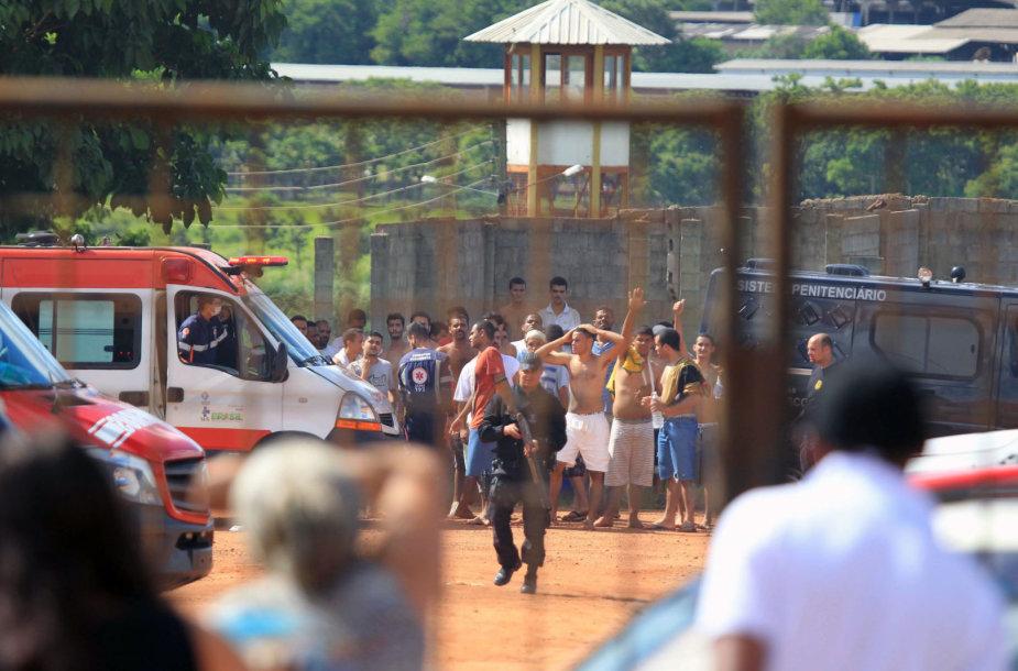 Riaušės Brazilijos kalėjime