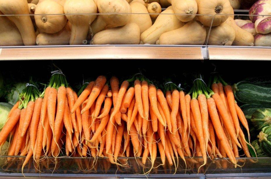 Vaisių ir daržovių skyrius prekybos centre