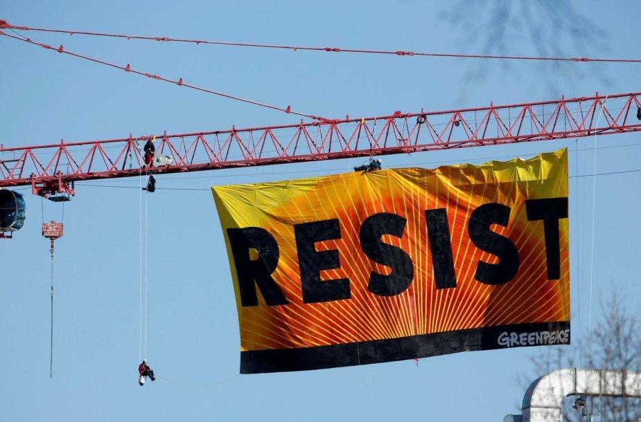 Plakatas Vašingtone, netoli Baltųjų rūmų
