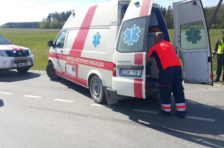 """Šilutės rajone per sunkvežimio ir """"Toyotos"""" avariją sužaloti keturi žmonės"""