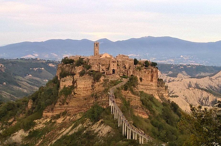 Mirštantis Čivita di Banjoredžo miestas Italijoje