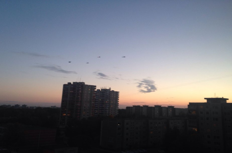 JAV sraigtasparniai virš Kauno