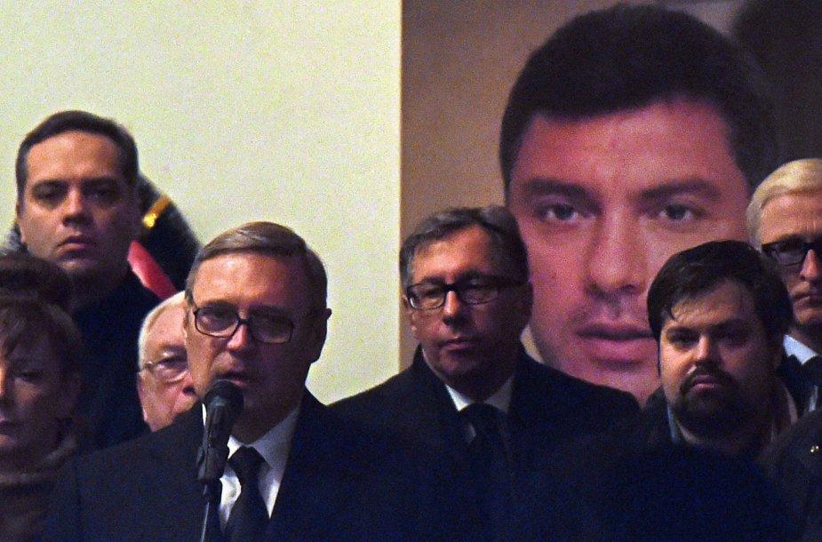 Buvęs Rusijos premjeras Michailas Kasjanovas ir kiti opozicijos atstovai.