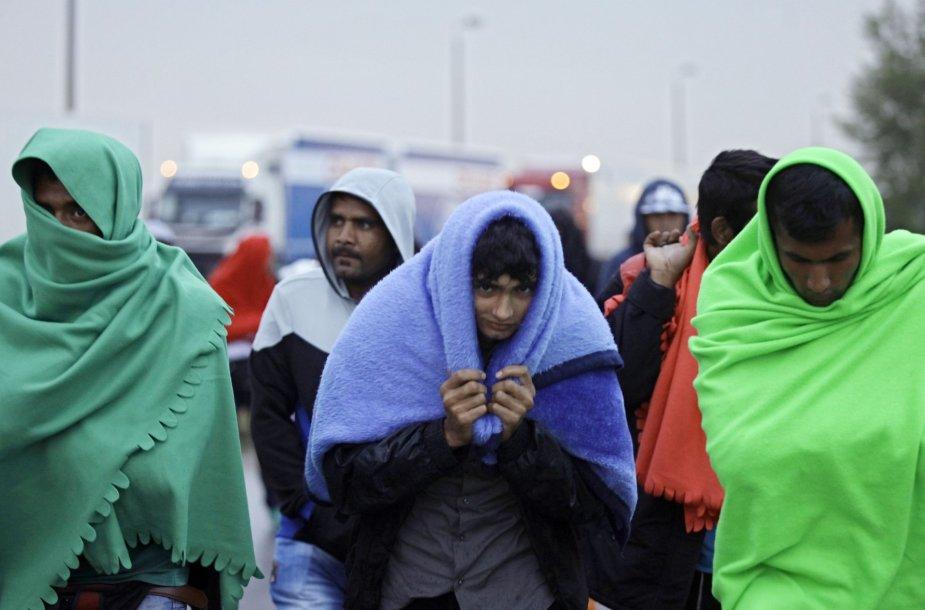 Vien tik šeštadienio rytą į Austriją iš Vengrijos atvyko apie 3 tūkst. migrantų