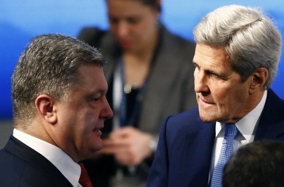 Petro Porošenka ir Johnas Kerry