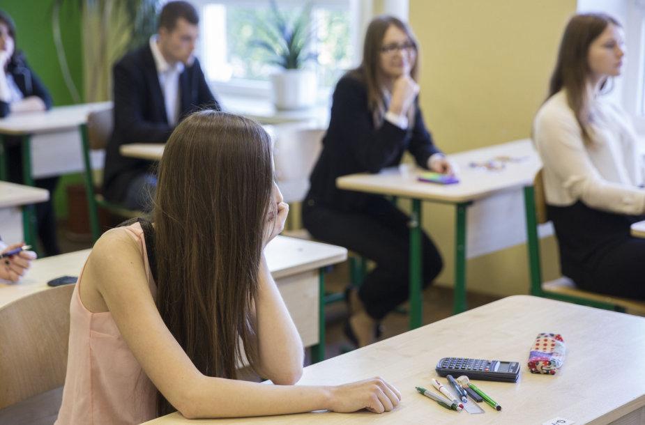 Abiturientai laiko valstybinį matematikos brandos egzaminą