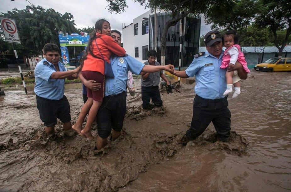 Potvyniai ir purvo nuošliaužos Peru
