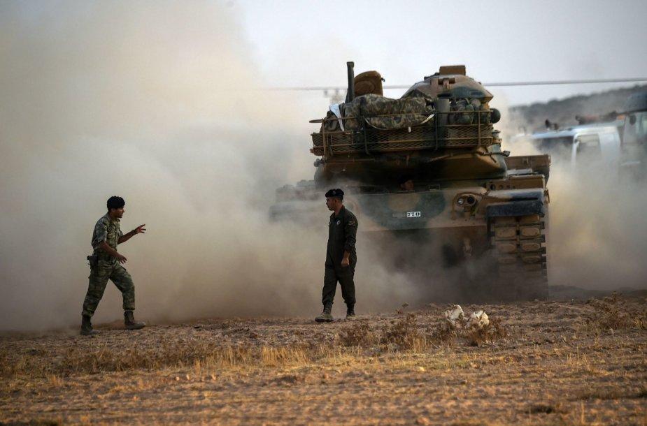 Turkijos tankai įsiveržė į Sirijos teritoriją