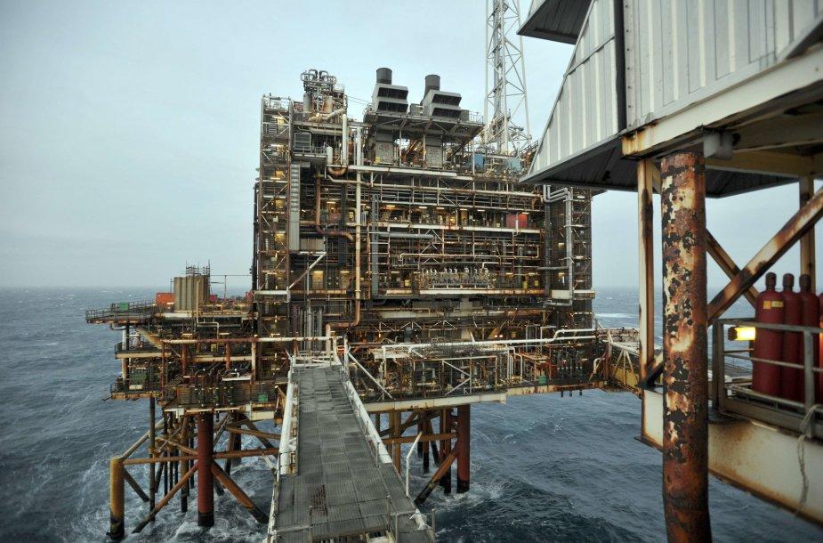 Naftos gavybos platforma Šiaurės jūroje