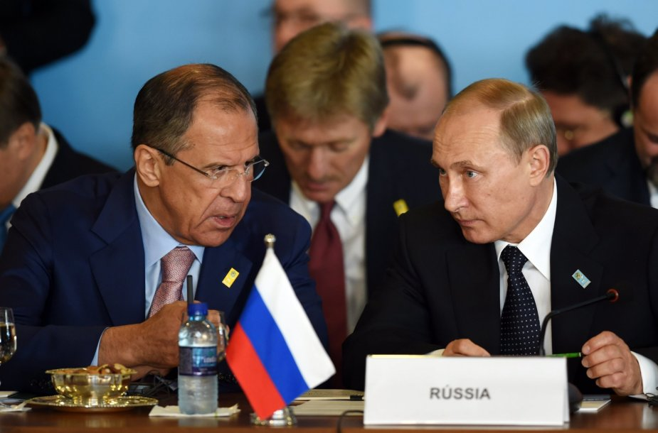 S.Lavrovas, D.Peskovas ir V.Putinas
