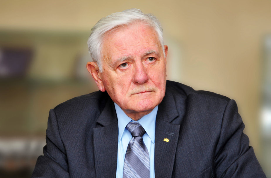 VDU Tarybos pirmininkas V.Adamkus