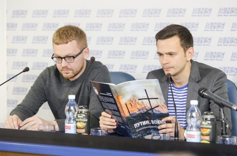 """Ilja Jašinas pristatė ataskaitą """"Putinas. Karas"""""""