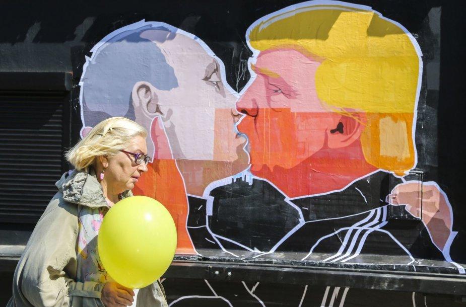 Vladimiro Putino ir Donaldo Trumpo bučinys