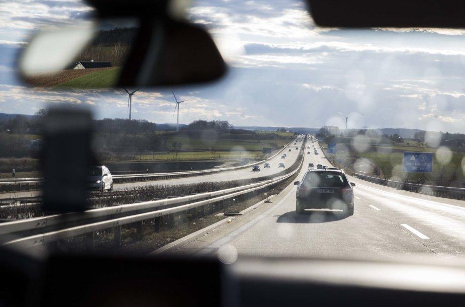 """Kelionė iš Vilniaus į Ženevą su """"Peugeot 3008"""""""