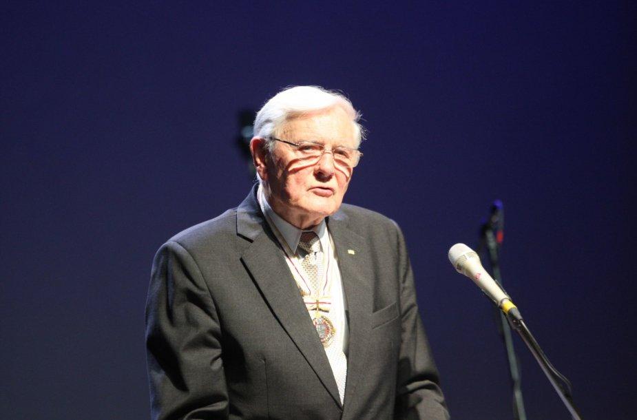 Valdas Adamkus – Lietuvos respublikos Prezidentas – nuo šiol yra ir Šiaulių miesto garbės pilietis.