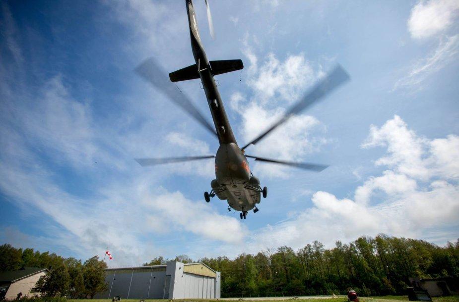 Kariškių sraigtasparnis Mi-8T