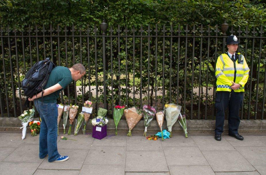 Vieta Londone, kur peiliu per išpuolį nužudyta amerikietė.