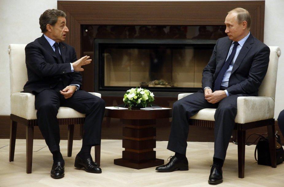 Buvęs Prancūzijos prezidentas Sarkozy Maskvoje susitiko su Rusijos prezidentu Putinu