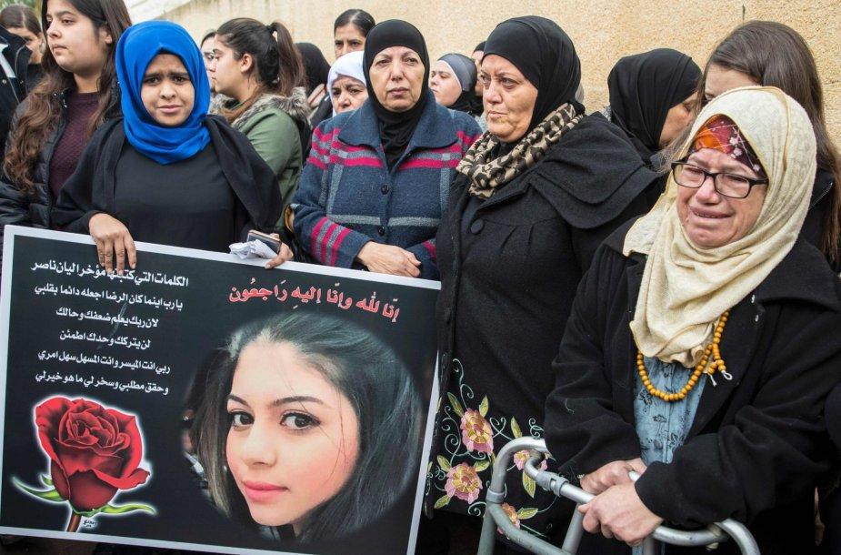 Stambulo atakos metu žuvusios merginos laidotuvės Izraelyje
