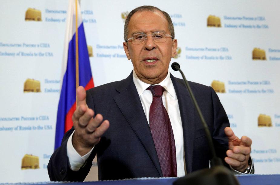 S.Lavrovas – spaudos konferencijoje Rusijos ambasadoje Vašingtone
