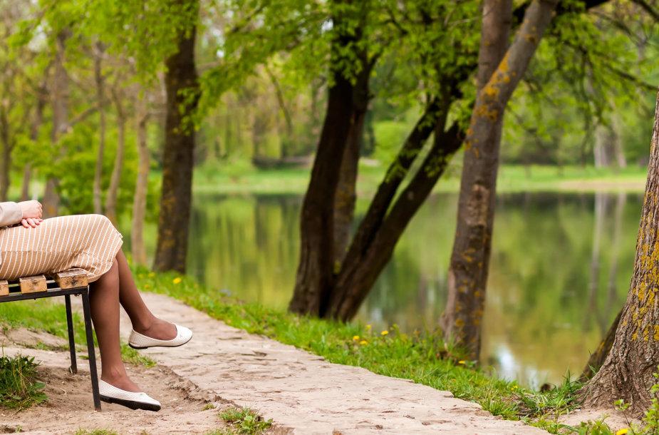 Moteris parke